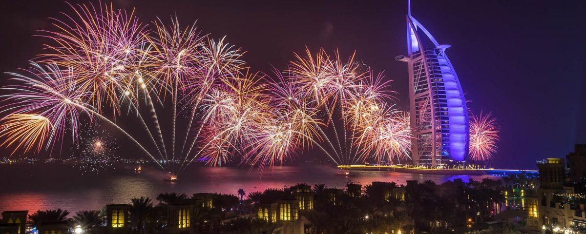 New-Year-Fireworks-Dubai–6-compressor
